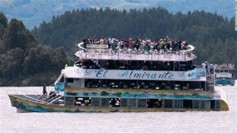 tourist duck boat sinks colombian tourist boat sinking death toll rises to 7 cnn