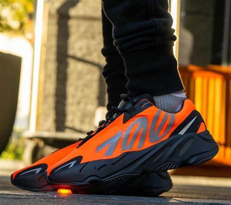 buy  yeezy  mnvn orange house  heat
