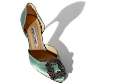 Manolo Shoes Y zapatos manolo blahnik cat 225 logo y precios blogmujeres