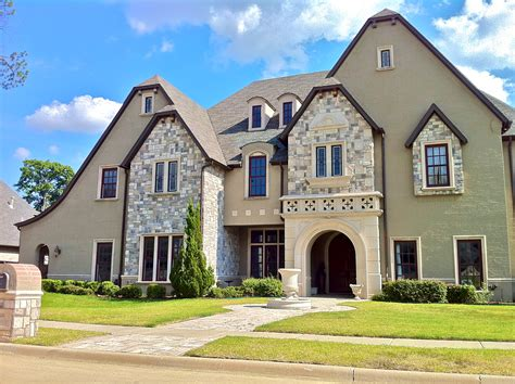 large luxury homes file exle of large home in southlake jpg wikimedia