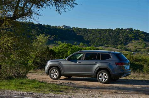 volkswagen atlas 2018 volkswagen atlas named top safety pick by iihs