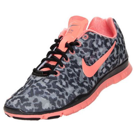 nike free tr fit 3 print womens sneakers in black pink