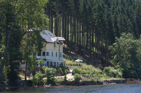 lake side house file haus am see titisee lakeside house titisee geo en hlipp de 12587 jpg