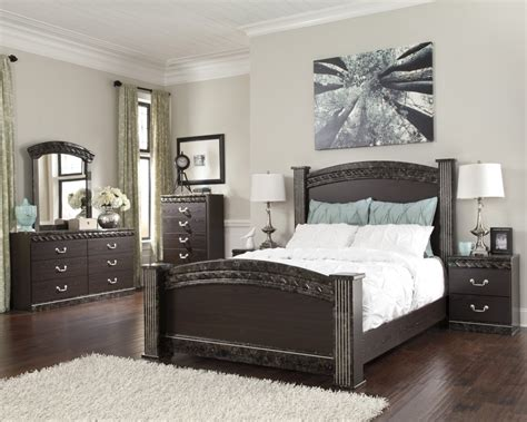 queen poster bedroom sets vachel 6 piece bedroom set price busters