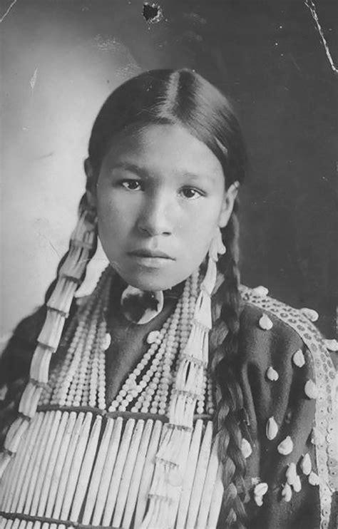 Rari ritratti di ragazze native americane mostrano la loro