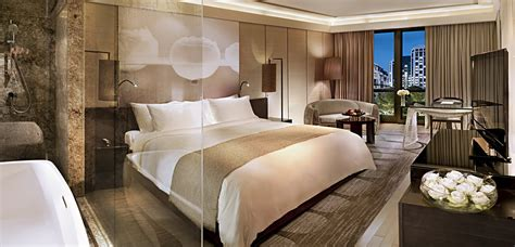 luxury bedroom decorating ideas iroonie com luxury hotel rooms pictures new luxury kempinski hotel