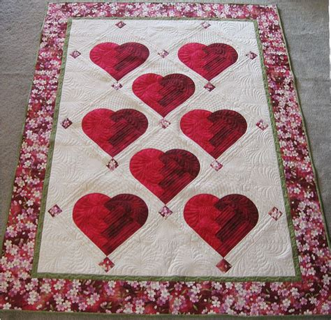 pattern for log cabin heart quilt quot broken heart quot by laura jansen at butterfly quilting the