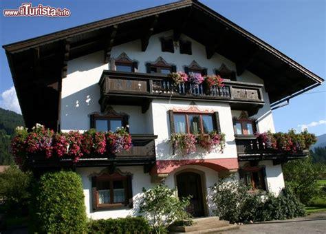 haus in eschweiler zu kaufen gesucht casa tipica con gerani alle finestre fotografata