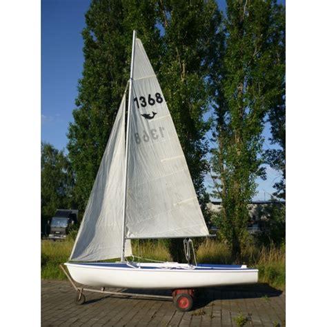 Gfk Jolle Neu Lackieren by Segel Markt Gebrauchte Segelboote Jolle Bavaria Delphino