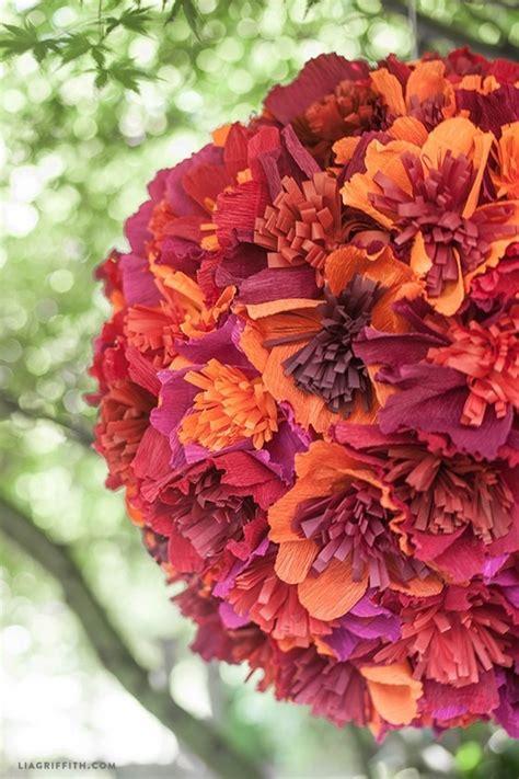 ghirlande di fiori di carta fiori con carta crespa fiori di carta realizzare fiori