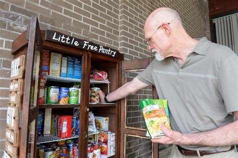 Bellevue Food Pantry food pantry opens in schenectady s bellevue neighborhood