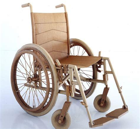 foto kursi roda hanya dari kardus dan lem foto 13 dari 14