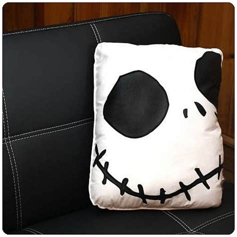 nightmare before smiling square pillow
