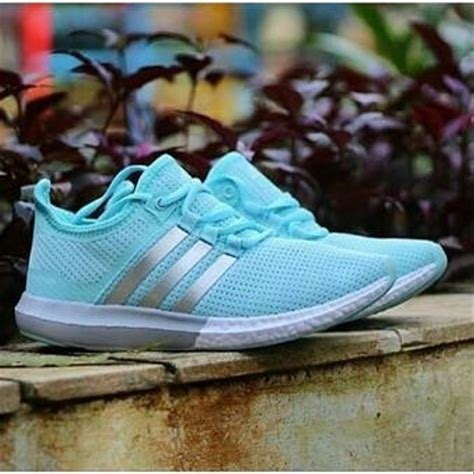 Sepatu Snecker jual sepatu adidas boots sepatu sneakers wanita di