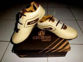 Sepatu Ardiles Model Baru model gaul sepatu sekolah merk ardiles modern terbaru