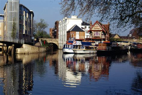 thames river in oxford river isis thames oxford 169 stephen mckay cc by sa 2 0