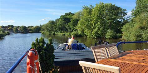 thames river cruise magna carta magna carta thames river england canal barge cruises
