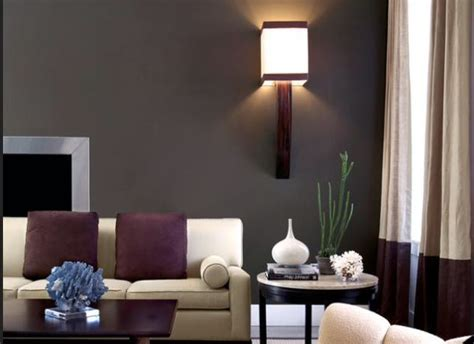 maroon color schemes for living rooms 25 best ideas about maroon living rooms on maroon room burgundy painted walls and