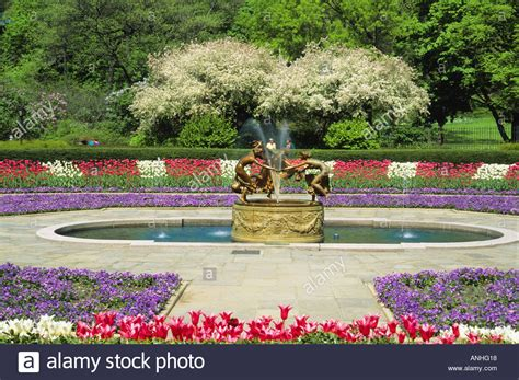 Central Park Botanical Garden New York City Central Park The Conservatory Garden In The