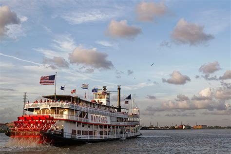 mississippi river boats 7 cool reasons to take mississippi riverboat cruises