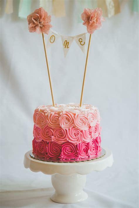pastel flores tonos de rosas banderines dorados  pompones st birthday pinterest smash