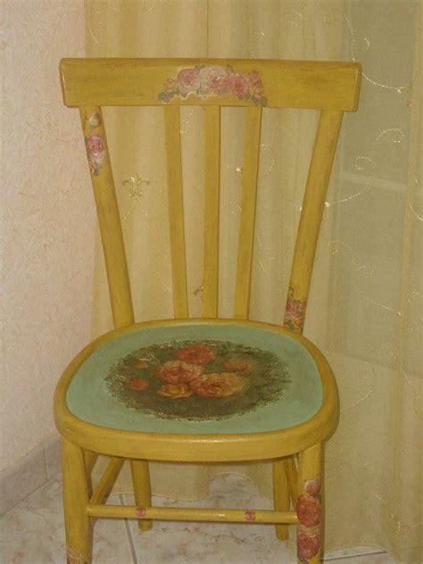 decoupage su sedie di legno 17 migliori idee su decoupage sedia su