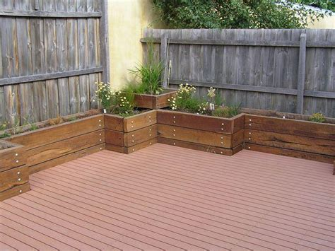 Backyard Planters Ideas by View Topic Back Courtyard Ideas Home Renovation