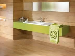 charming Parquet Massif Salle De Bain #2: carrelage-salle-bains-bois-vasque-vert-miroir-éclairage-indirect.jpg