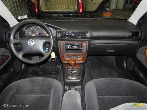 2000 Volkswagen Passat Interior by 2000 Volkswagen Passat Gls V6 Sedan Black Dashboard Photo
