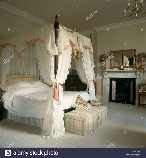 canopy curtains for four poster bed four poster canopy bed curtains wwwimgkidcom the 4 poster