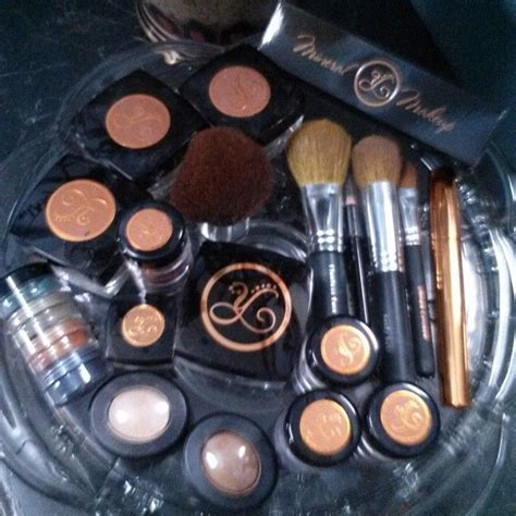 New Years Resolution Of A Mineral Makeup Addict by 17 Best Images About Mineral Make Up By Youngevity On