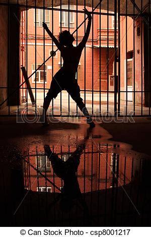 el enrejado in english im 225 genes de silueta enrejado bailando ella brazos