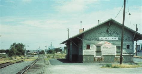 Connnector Neppel T Big Bend Railroad History Moses Lake Depot