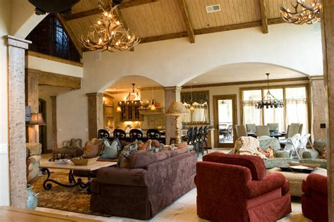 lodge style lake house mediterranean living room