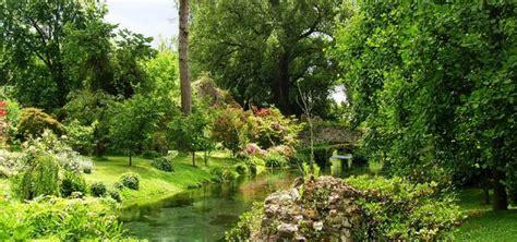 i giardini di ninfa apertura giardino di ninfa angolo di paradiso piccolagrandeitalia tv