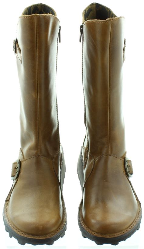 fly leather mes flat calf boots in camel in camel