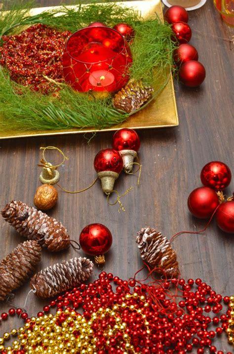 centrotavola natalizi fai da te con candele centrotavola natalizi fai da te 5 idee donnad