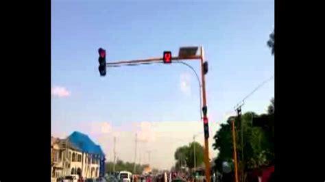 solar powered traffic lights solar powered traffic light