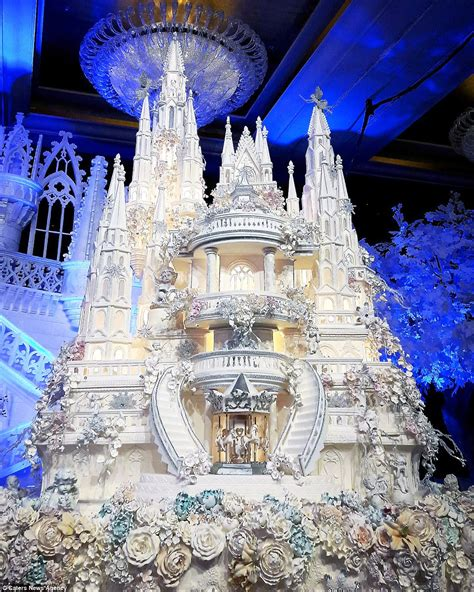 Hochzeitstorte Schloss by Are These The Most Elaborate Wedding Cakes Of All Time