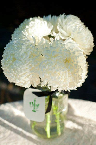 cheapest flowers for centerpieces 88 best images about chic and cheap wedding flowers on jars simple centerpieces and