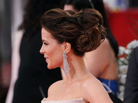 Kate Twisted by Kate Beckinsale S Twisted Bun Up Style Weddings
