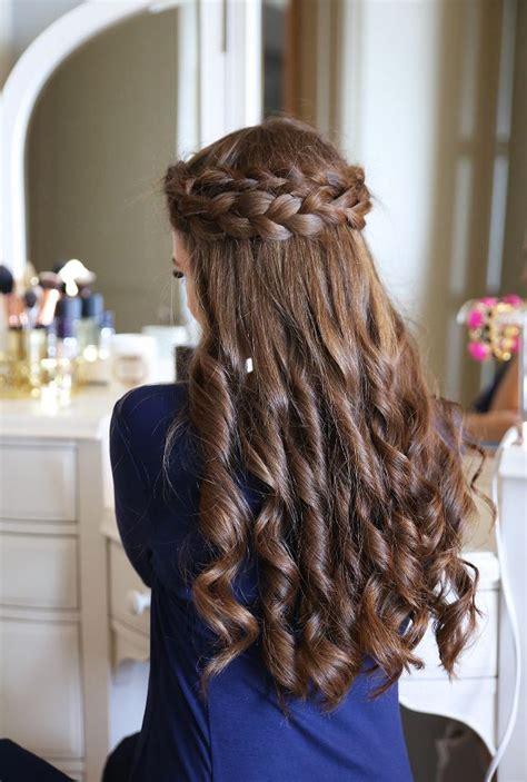 princess hairstyles noodle curls easy crown braid tutorial southern curls pearls