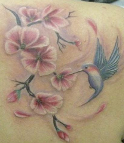 tatuaggio con fiori di ciliegio tatuaggio fiori di ciliegio significato e immagini the