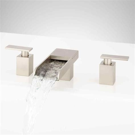 Delta Roman Tub Faucet Brushed Nickel   farmlandcanada.info