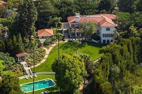 angelina jolie mansion angelina jolie to move into 163 19million la mansion to be