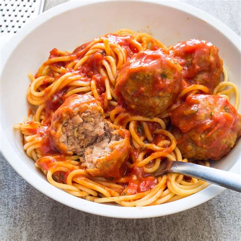 America S Test Kitchen Meatballs by Sausage Meatballs And Spaghetti America S Test Kitchen
