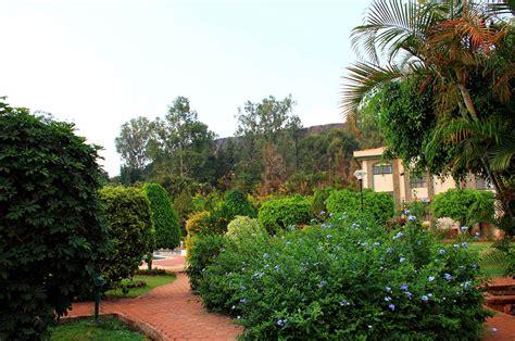 Garden Of Viewpoint Garden View Blue Country Resort Panchgani