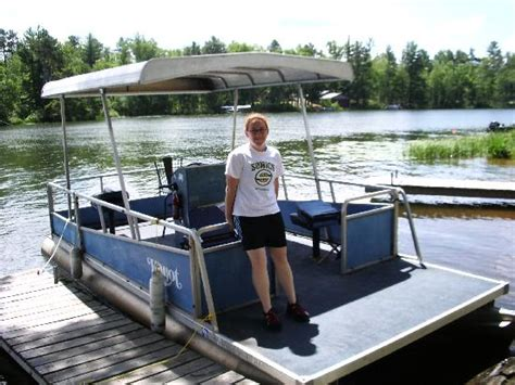 boat rental chicago cheap old blue pontoon you can rent for cheap picture of