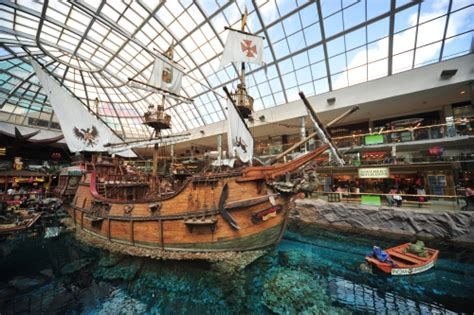 layout west edmonton mall north america 8 must see landmarks