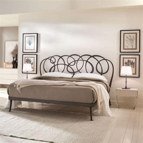 letti di ferro battuto moderni letto in ferro dal design moderno daniel di cantori